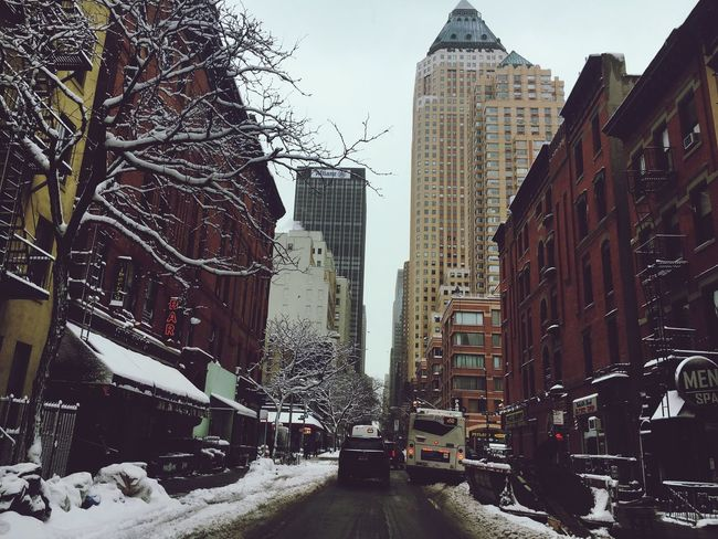Snowy Newyork Takenwithiphone6 Photo Urbanphoto Snow ❄ Winter Babyitscoldoutside New York City Streetphotography Life City Snow Beautiful Capture The Moment IPhoneography Iphone6s Takenbyiphone