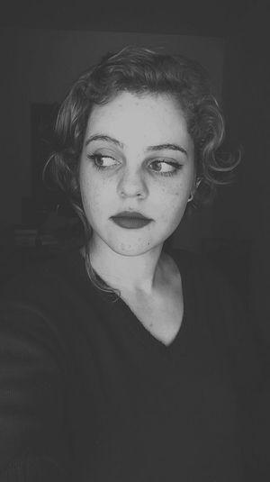 Girl Black&white Sofia