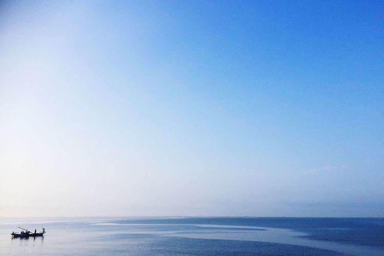 Morning Sea Am6:00 Horizon Blue