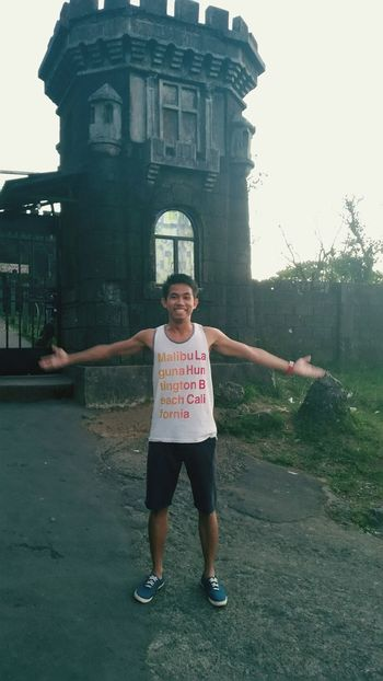 Wearing tanks in Tagaytay. Love the weather just like Marawi City. Tagaytayvacation Peoplespark Coldbreeze