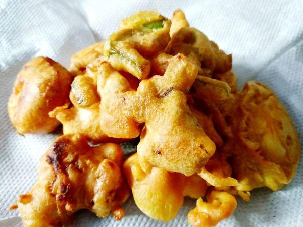 Pakora Pakoras Eating Breakfast Comfort Food Fried Close-up Food And Drink Deep Fried  Crunchy Prepared Potato Unhealthy Lifestyle EyeEmNewHere