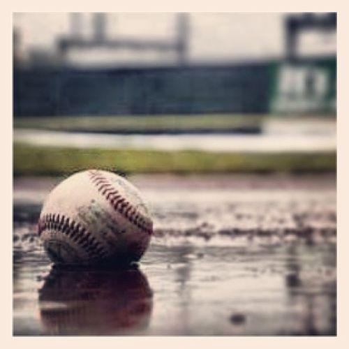 Temps de Merde Baseball Balle couture rouge pluie louisville pictures