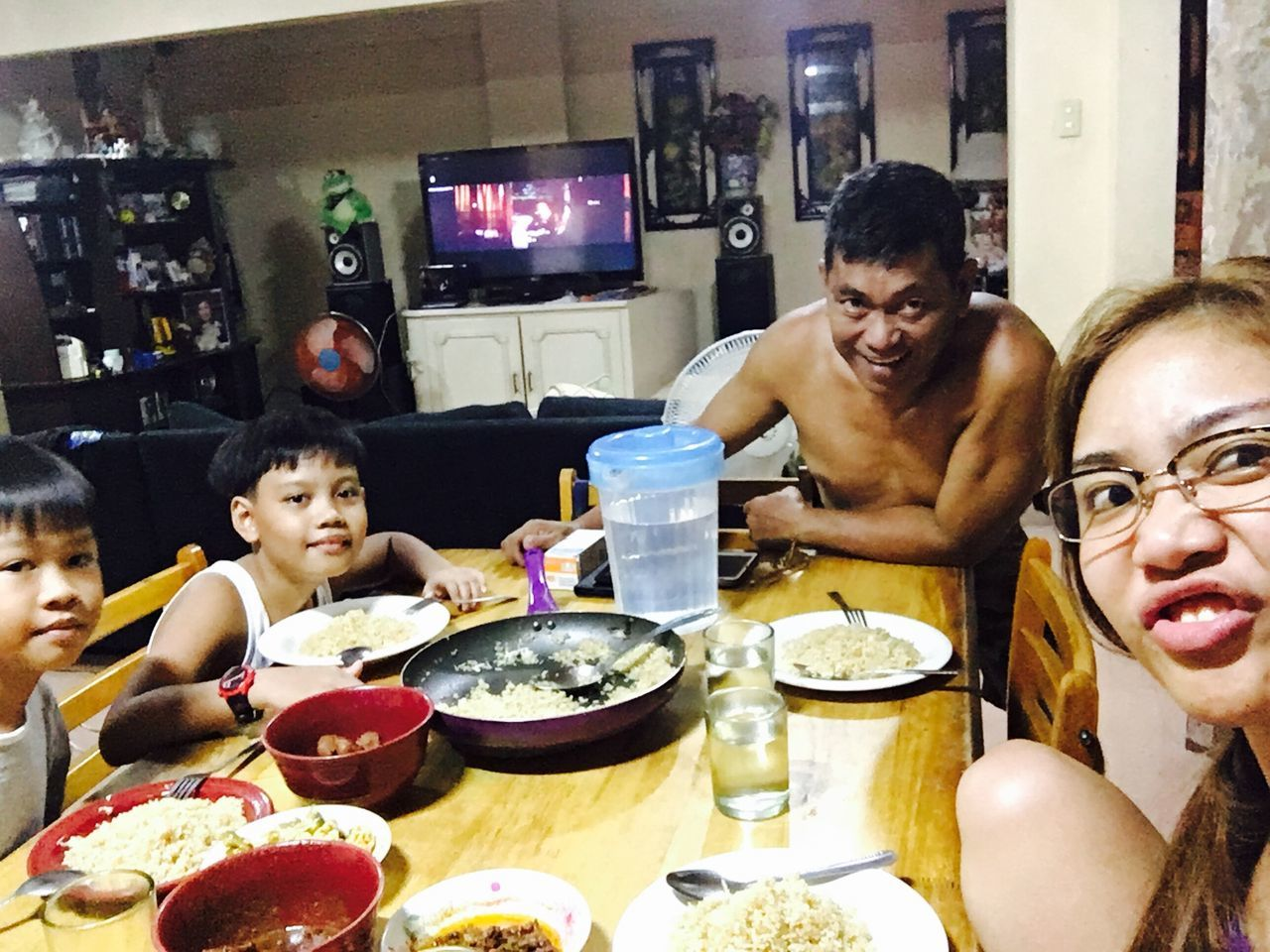 real people, indoors, lifestyles, food, leisure activity, food and drink, home interior, togetherness, boys, table, sitting, eating, young women, young adult, day
