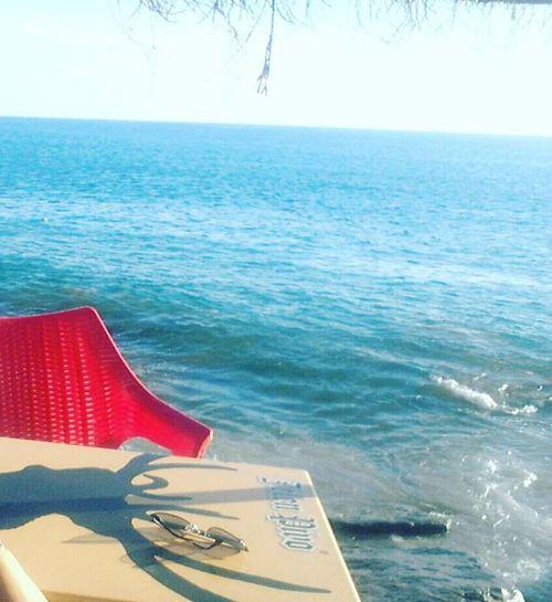 J'accepte d'aller à un endroit où le seul bruit soit du vent et de la mer! 🙊🙊 Calm Agadir Morocco Surfberbere Sea