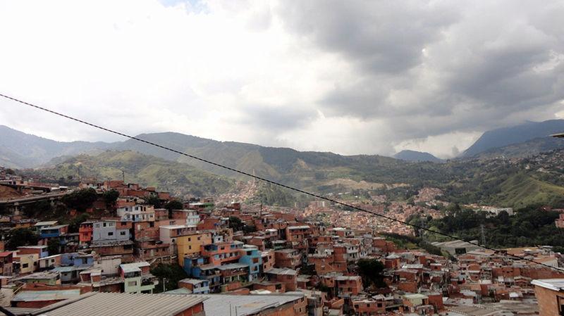 Sinfiltros Callesdemedellin Comuna 13