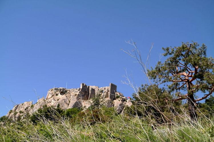 Blue Sky Grass Les Baux De Provence Old Ruin Provence Rock Formation