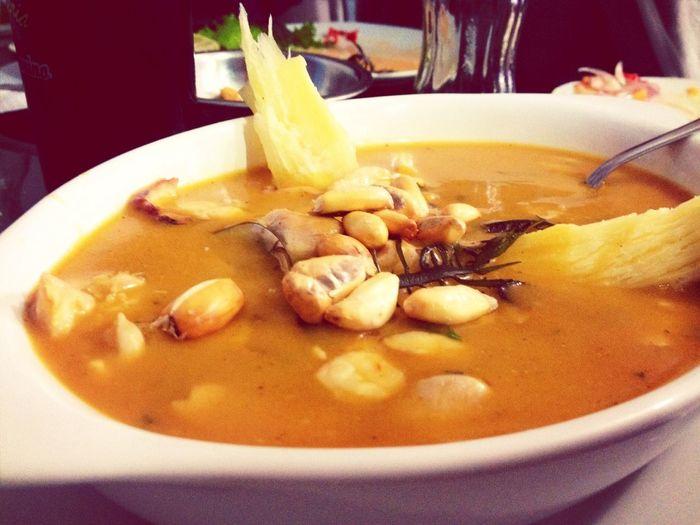 Un poco de sol y una Parihuela Peruvian Food