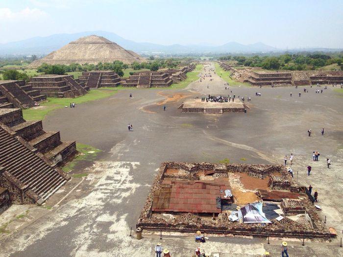 Calzadadelosmuertos Teotihuacan Vistadesdelapiramidedelaluna Pirámides Pyramids Piramidedelsol PiramidedelaLuna Sanjuanteotihuacan Pueblomagico Ruta111 Estadodemexico Imperioazteca Aztecas