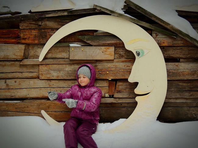 Dreamworks Moon Daughter Fishergirl Winter Peterburg Oldcity