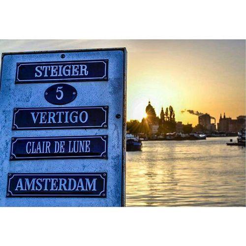 Amsterdam. Parededevidro Fotoxigenio Featuremeofh Sunset Amsterdamcity @best_of_amsterdam @amsterdamworld Bestofamsterdam Nikon @1x5 Iconfotox
