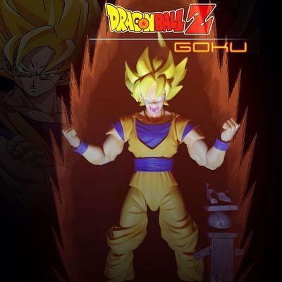 Can't mess with Goku when he goes Super Saiyan! Credit for the effects goes to none other than @man3lx SHfiguarts Figurephotography Figuarts Goku DBZ Dragonballz Toycrewbuddies Toygram Toyark Toys4life Toysfightclub Supersaiyan