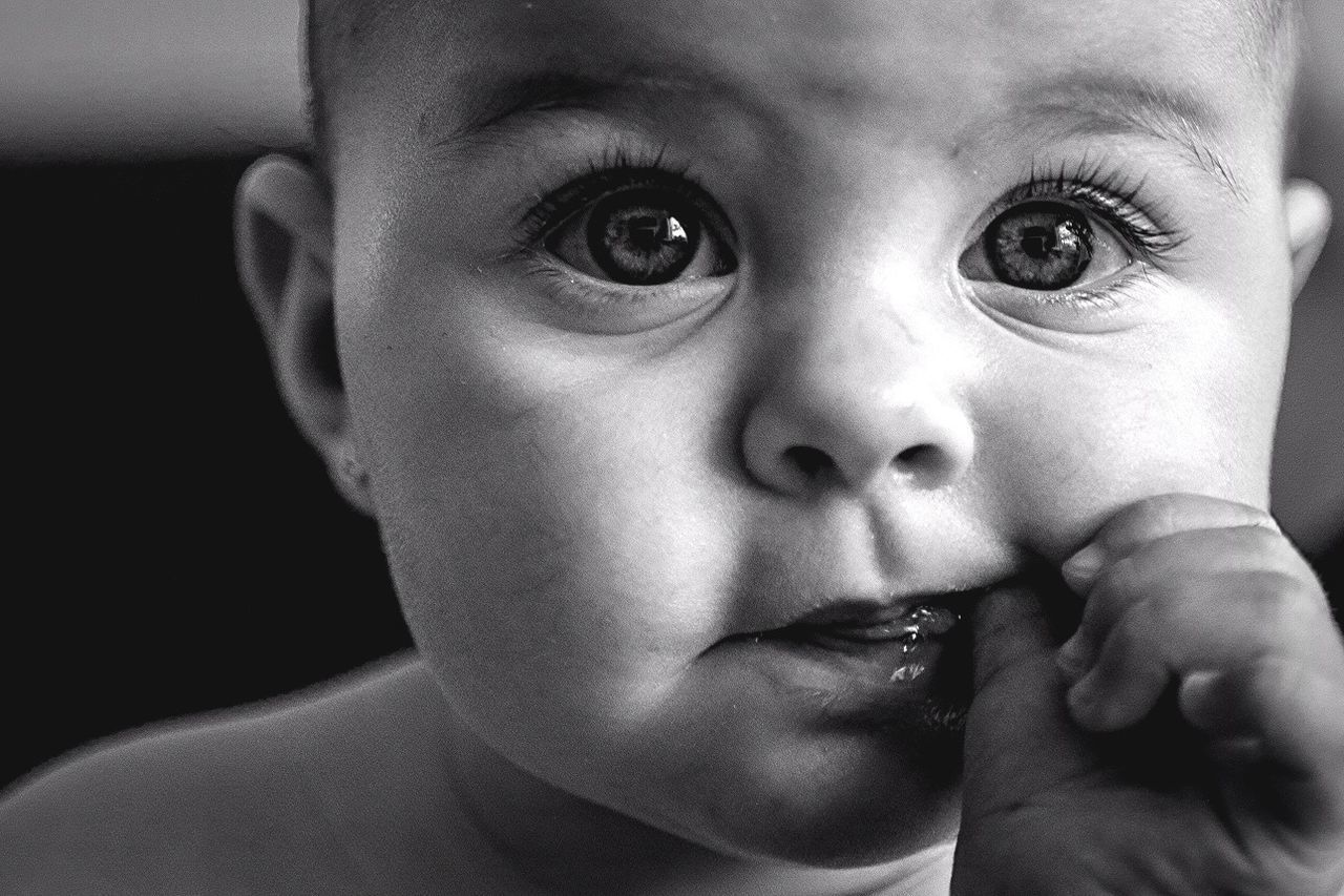 baby, innocence, childhood, real people, babyhood, cute, one person, indoors, looking at camera, close-up, portrait, headshot, focus on foreground, newborn, fragility, day, babies only, people