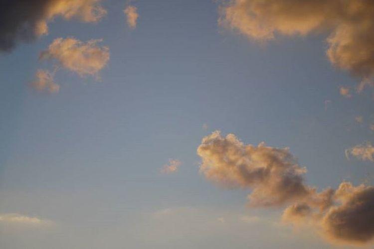 ルミックスgf2 ルミックス イマソラ 空 夕空 Sunsetsky Oldlens オールドレンズ GF2 カメラ好きな人と繋がりたい 写真好きな人と繋がりたい ファインダー越しの私の世界 ミラーレス カメラ日和 お写んぽ ペンタックス パナソニック Lumix Panasonic  Sky Pentaxlens 50mmf2 オールドレンズはじめました Lumixgf2 M43 雲 夕雲