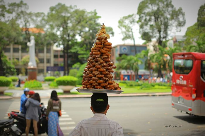 Outdoors Travel Destinations Sky Sculpture Day People Stockphotography Stockphoto ByAuVu Streetphotography Street Streetfood Vietnamdonut