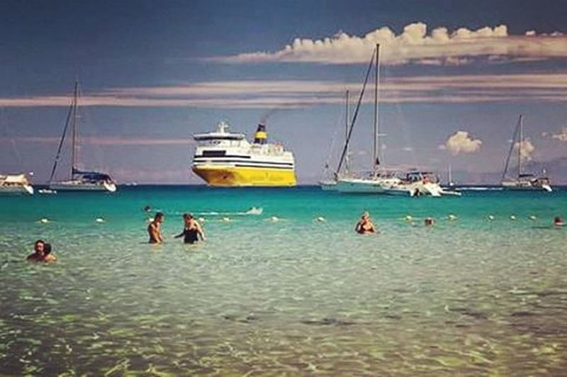 🌞🌊⛵✌Iledebeauté Ilrousse Corse Corsica Nicepic Niceday Pictureoftheday InstaCorsica Instalike Instagood Photograph Photooftheday Corsicaferries