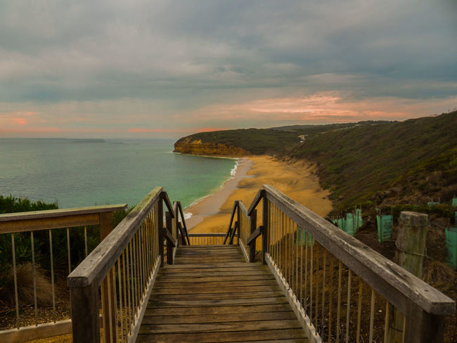 Bells beach, Victoria Bells Beach Cloud - Sky Day Horizon Over Water Nature No People Outdoors Railing Scenics Sea Sunset The Way Forward Tranquility Travel Destinations Vacations Victoria Wave
