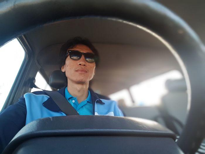 Driver EyeEm Selects Cockpit Pilot Airplane Aerospace Industry Men Sitting Portrait Responsibility Headset Technology Seat Belt Back Seat Vehicle Seat Vehicle Interior Steering Wheel Car Interior Dashboard
