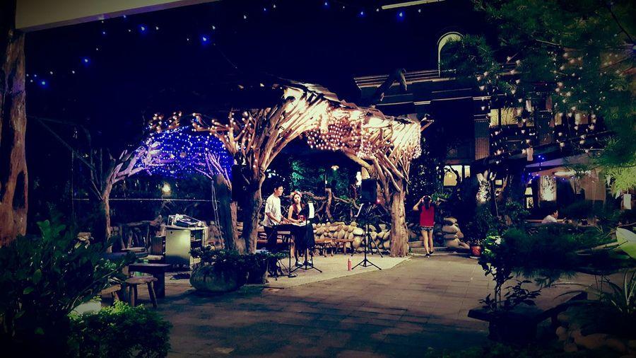 好熱鬧的原住民餐廳呀Dinner Food Samsung S6 Vacation Time Restaurant Relaxing