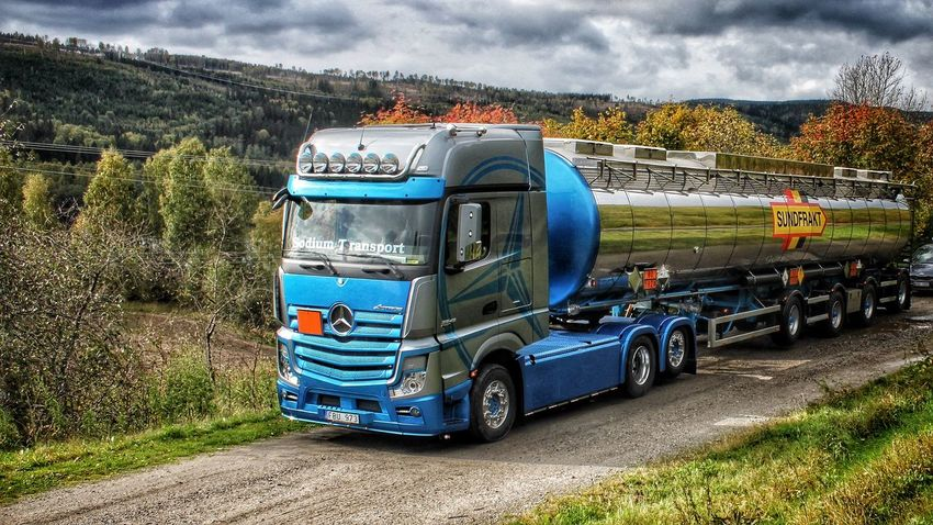 Sweden HDR Collection Work Truck North Trucking Truckerslife Mercedes-Benz On The Road Pictureoftheday Eye Em Around The World
