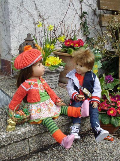 Boy Children Dolls Easter Easter Eggs Girl Outdoors Seeking Sweets 🌺
