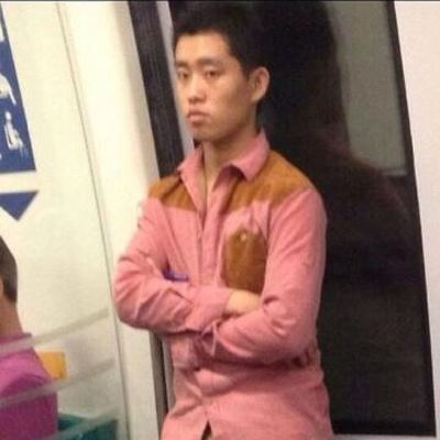 Found on Twitter and this guy looks so much like Kang Gary! KangGary 강개리