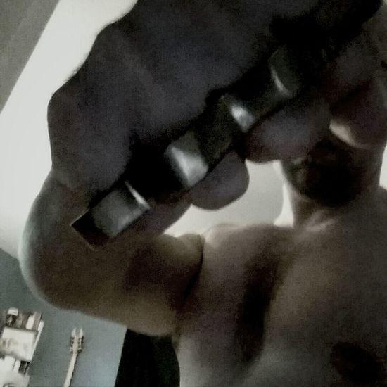 Knuckles Black & White
