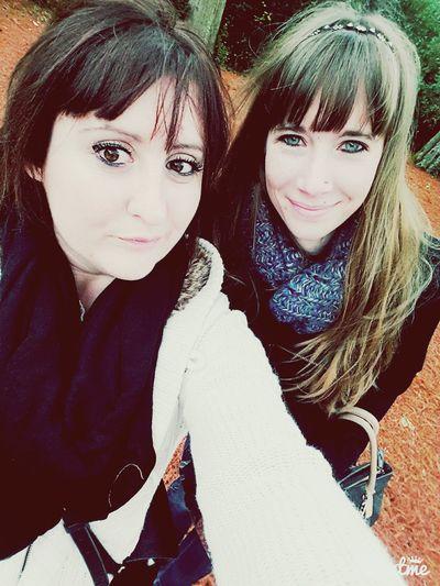 Bourran Autumn🍁🍁🍁 Feuilles Rouge Grands Arbres Friends ❤ Entre Girl
