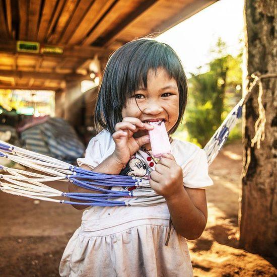 Escape from the heat. Vscocam Heat Igersthailand Amzthld Thailand Thailand_allshots Street