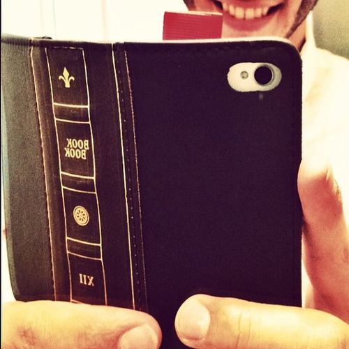 My BookBook phone case came in two weeks early omg that's impossible I'm dreaming thank you Amazon goodbye wallet.