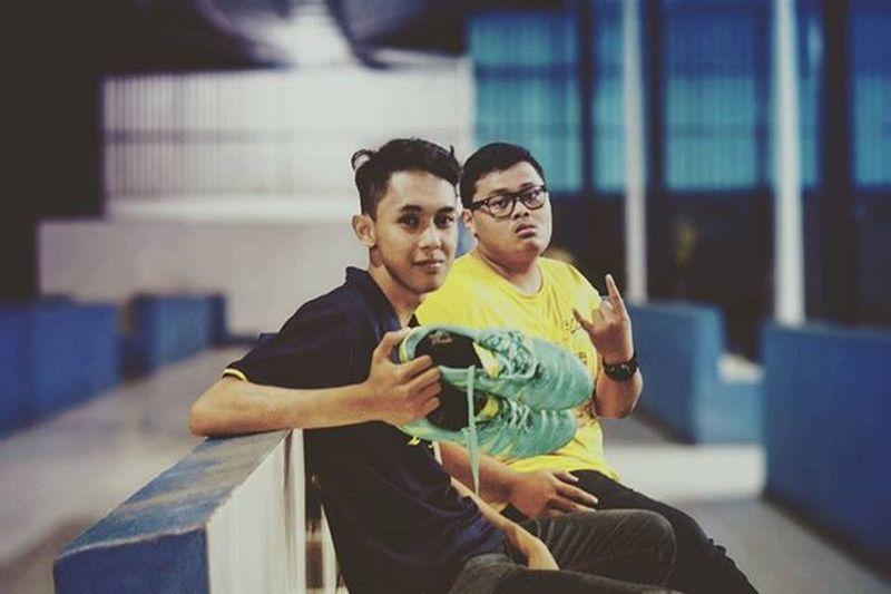 habis futsal cekrek Latepost Kurangkerjaan Fun Futsal Futsalforfun Satnight
