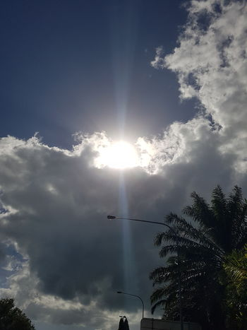Sunshine through rainclouds. Rainclouds Sun Happydays😎 Outdoors Beauty In Nature Beauty Sunflare