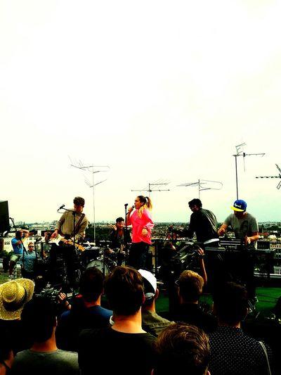 Electronic Music Shots Auf Den Dächern Add Claire