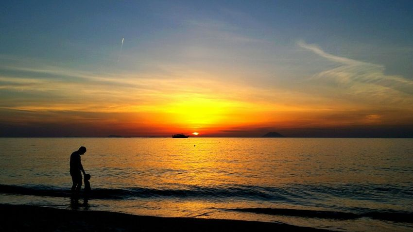 Peaceful And Quiet Peaceful Evening Sunset Sunset Silhouttes in Calabria (Italy) Eyeem&ghetty Ghettyimages Popular Photos My Best Photo 2015 The Best From Holiday POV Beliebte Fotos Tropical Paradise Q for Quality Time Heartwarming Sunset Silhouettes Sunset Porn Sunsets Are Paradise Sunset Lovers Red Yellow Orange Views That Make You Happy Reflected Glory Sublime Living Sublime Moments