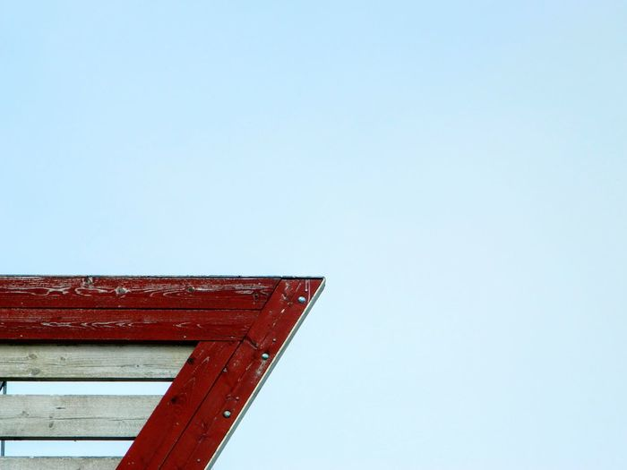 Built Structure Clear Sky Red Outdoors No People Low Angle View Sky Day Nautical Sign Nautical Themed Nauticallife Sjömärke Enslinje Nautical Nautical Theme Sea Sign Geometric Shapes Still Life The Architect - 2017 EyeEm Awards Place Of Heart