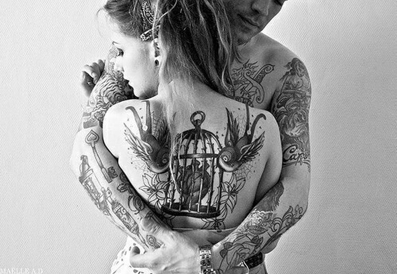 Love ♥ Tattoo Hug Hands