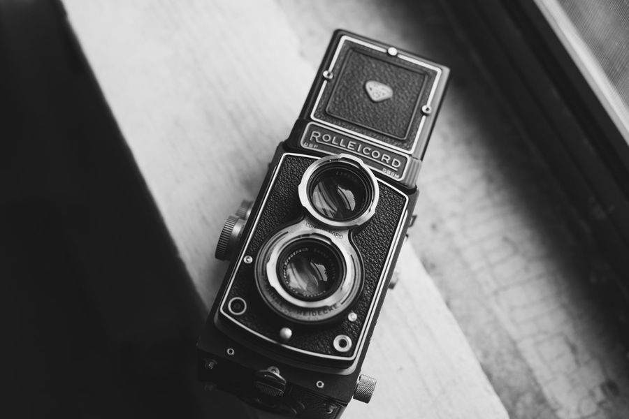 Analog Photography Black And White Camera Camera - Photographic Equipment Classic Film Lieblingsteil Monochrome Monochrome Photography Photography Retro Rolleicord Twin Lens Reflex Vintage Window Light