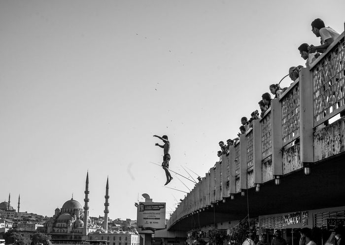 Istanbul Love Is In The Air Diving Bosphorus Istanbul - Bosphorus