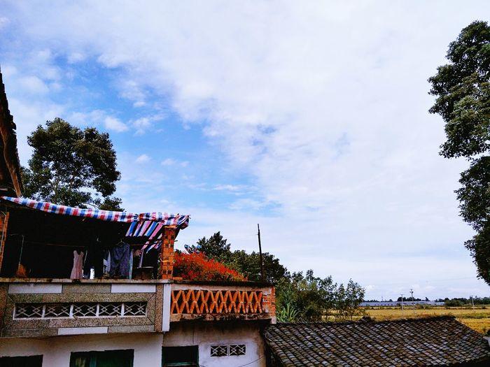 麦田里的童年 Roof Cloud - Sky Sky No People Outdoors First Eyeem Photo