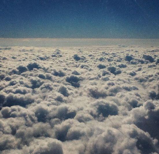 """""""Sonhos determinam o que você quer. Ação determina o que você conquista."""" #travel #sky #clounds #miss #love☝️?✨☁️✈️?"""
