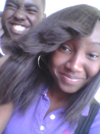 Tayvon in my background being silly (: lol Friends Cooling  Relaxing Chilling
