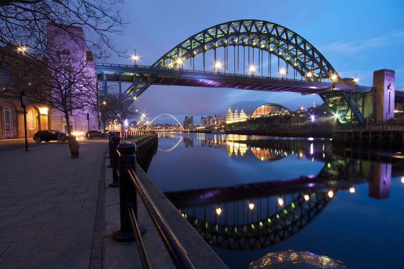 The iconic Tyne Bridge spanning the river connecting Newcastle and Gateshead. Arch Architecture Bridge Newcastle Upon Tyne River Tyne, Tyne And Wear Tyne Bridge United Kingdom