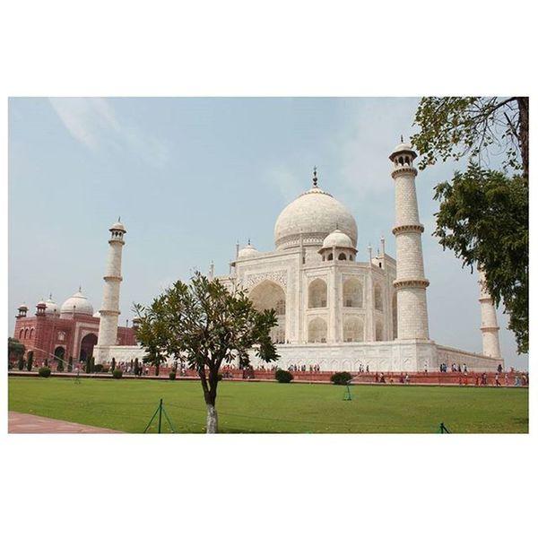 """Taj Mahal"" Tajmahal Taj Agra Incredibleindia India Love Symbol Lovesymbol OldClick Photos Photo Instaphoto Photographer Photograhylovers Monument Shoot Fream Lovefream Taj Gulfam Fotofinch Photographer DelhiGram Delhi India iso incredibleindia like4like fol"