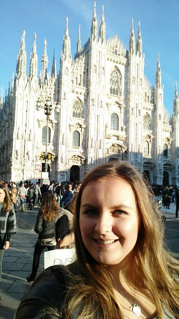 Milan Milano Italia Italy Travel Euronlyyoungonce Mailand Milanoduomo Wanderlust Duomo MilaNoFilter Traveling Europe Cathedral Europeanunion