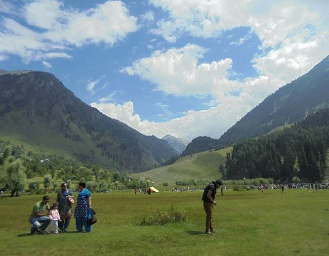 Outside the square. Landscape Kashmir, Betab Valley. . . OutsideTheSquare Nofilter Landscape Instagram Update Cloudporn Valley Hills Kashmir Kashmirdiaries Nature MesmerizingView Greenary Bluesky Ig_india Igrammingindia Indiaclicks IndiaTravelDiaries TravellingIndia Travellers J &K Indiapictures IndiaDiscovery Sony Cybershot