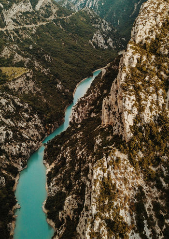 Embouchure des gorges du Verdon Mountain Scenics - Nature No People Nature Beauty In Nature Day Rock Tranquil Scene Tranquility Rock - Object Non-urban Scene Solid Outdoors Water River Rock Formation Environment Geology High Angle View Eroded Power In Nature