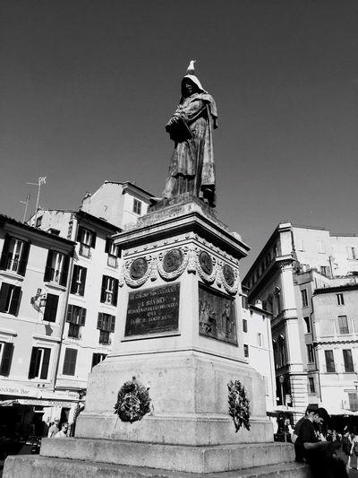 Giordano Bruno Walking Around Rome Roma Square Moving Around Rome