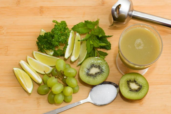 Fruit Healthy Eating Cross Section Drink Freshness Kiwi - Fruit Grape Smoothies!♥ Smoothie Ready To Drink Grapes Sugar Mint Leaves Kiwi Fruit Peterselie Limes
