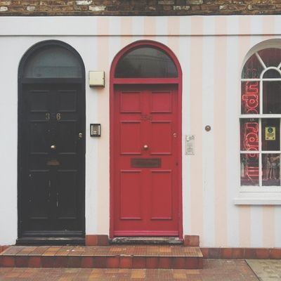 London Loves Pretty Doors