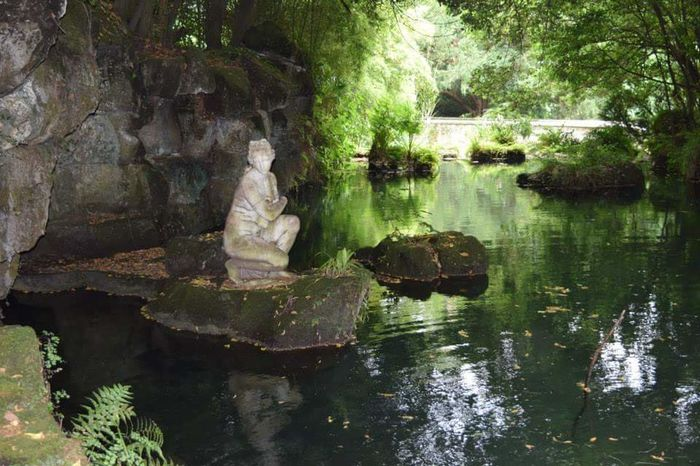 Caserta Palace Caserta Italy Italia Turism Pond Pond Reflections Pondering Statue Lady History Garden Green Nature Reflection Outdoors