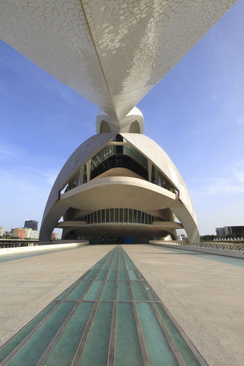 Minimalist Architecture City Travel Architecture Travel Destinations Outdoors Sky Futuristic Cross Section Cloud - Sky Technology No People Day City Of Arts And Sciences Valencia, Spain Calatravaarchitecture Calatrava València Futuristic Business Finance And Industry Architecture City Low Angle View Built Structure